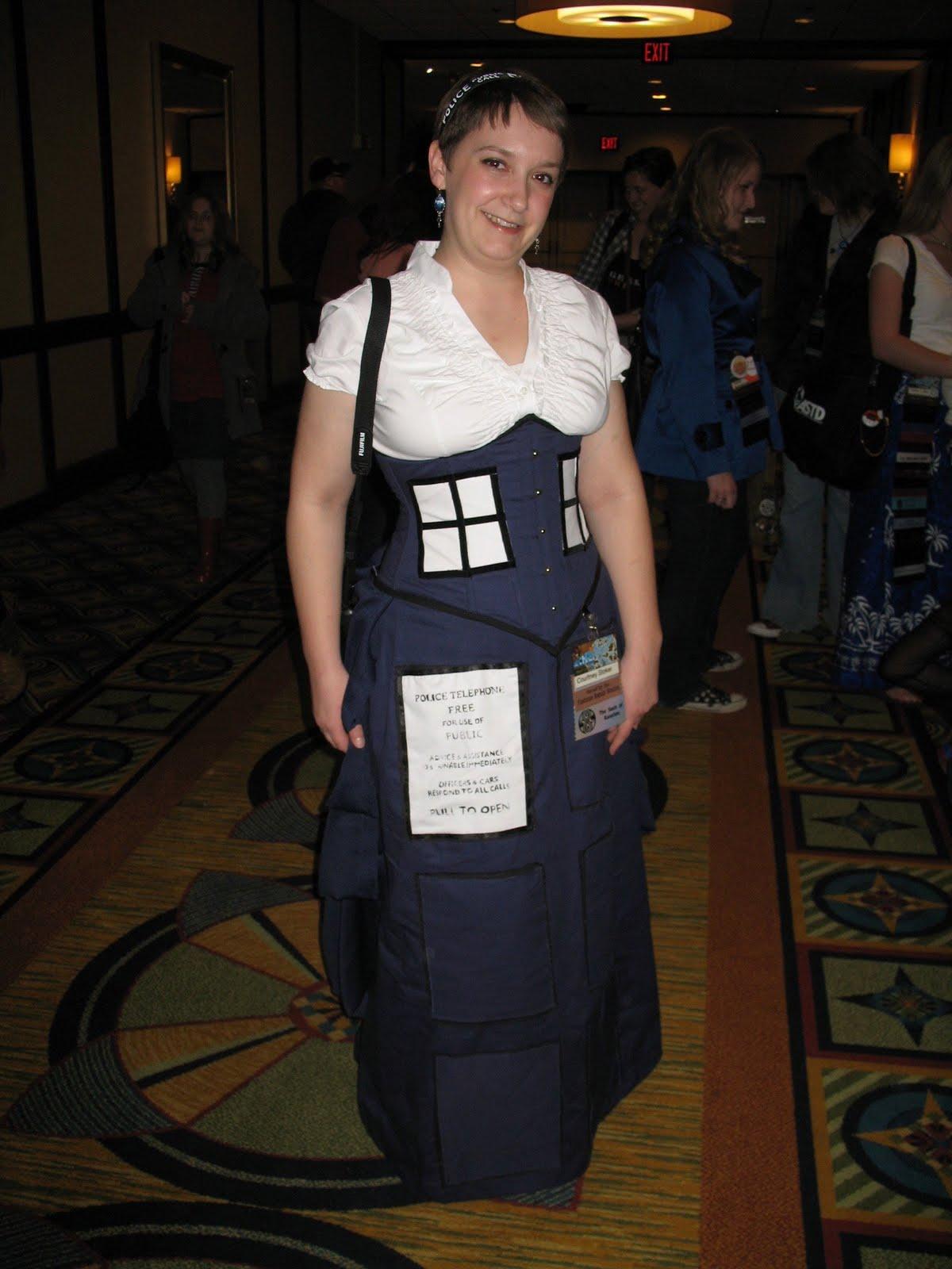 Fabuleux Steampunk, Tech, and TARDISes: A Cosplay Tale | Geek Feminism Blog YB79
