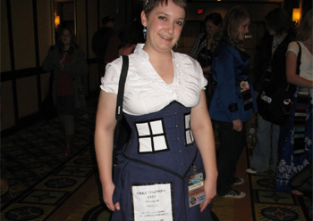 steampunk-tardis-cosplay