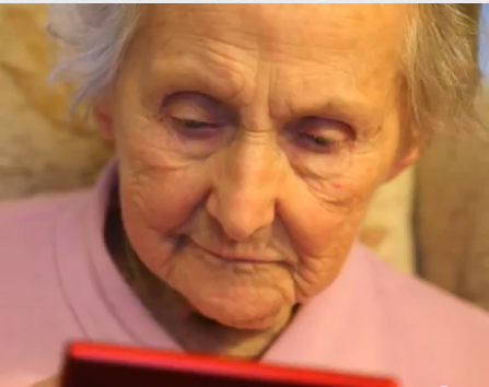 100 yr old Kit Connell playing Nintendo DS